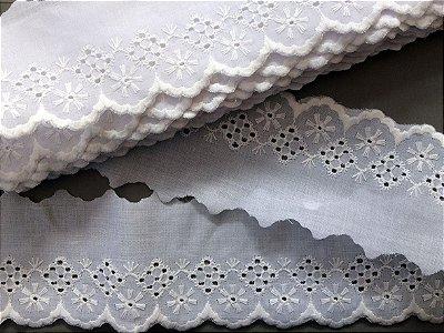 Tira Bordada 7,30 cm - 100% algodão branco | Peça com 7,20 m