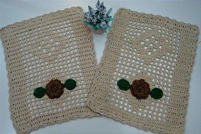 2 Tapetes de Crochê Retangular Bordado