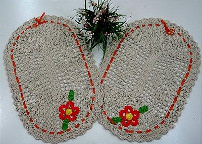 2 Tapetes de Crochê Oval Bordado