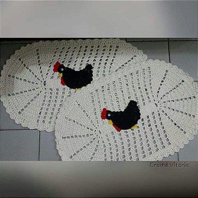 2 Tapetes de Crochê Oval c/ Galinha