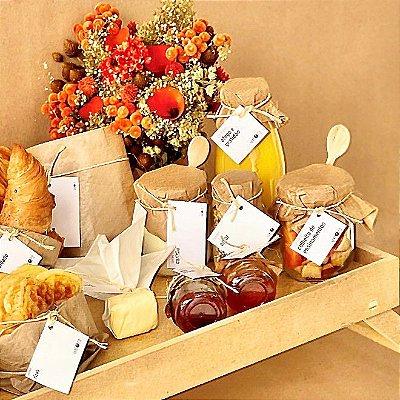 Bandeja de Café da Manhã com Flores