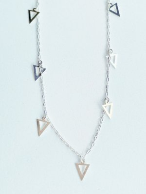 Colar Triângulo de Prata