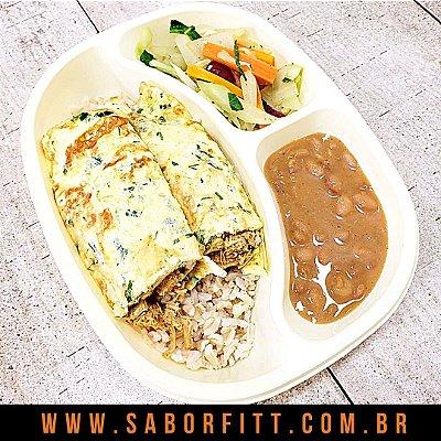 Omelete Recheado com Frango Cremoso + Arroz Integral + Feijão Carioca + Mix Vegetais Salteados (350 Gramas)
