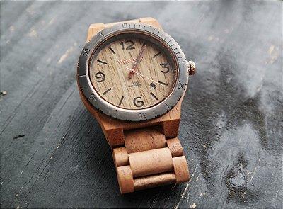 Relógio de Madeira - Style Alpha MB