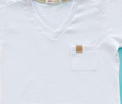 Camisa Gola V Com Bolso e Detalhe Cor Branco