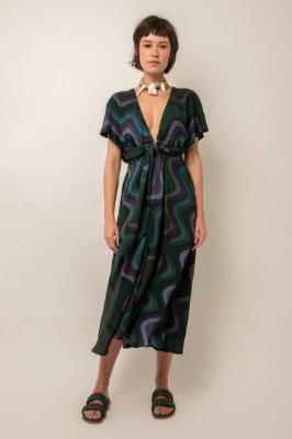 Vestido midi estampado decote v ondulado verde