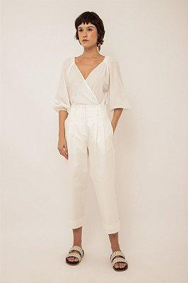 Calça com pregas de algodão off white