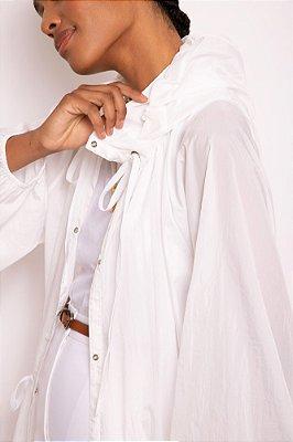 capa de nylon franzida branca