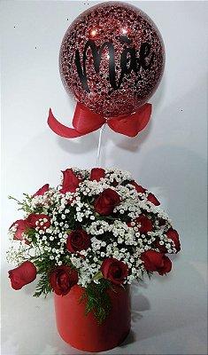 Arranjo  de rosas vermelhas com  bubble pequeno