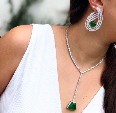 Brinco Pedra Esmeralda