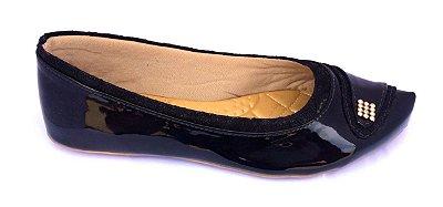 sapatilha preta com detalhe em strass