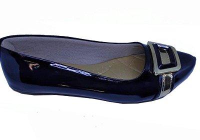 sapatilha com enfeite fivela cor preto no atacado
