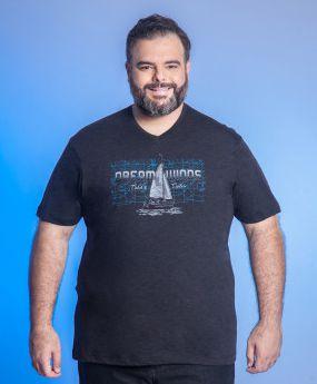Camiseta Masculina Plus Size Gola V Estampada