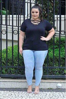 Blusa Feminina Plus Size com DetalheTrançado