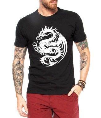 Camiseta Masculina Dragão Tribal - Personalizadas/ Customizadas/ Estampadas/ Camiseteria/ Estamparia/ Estampar/ Personalizar/ Customizar/ Criar/ Camisa Blusas Baratas Modelos Legais Loja Online