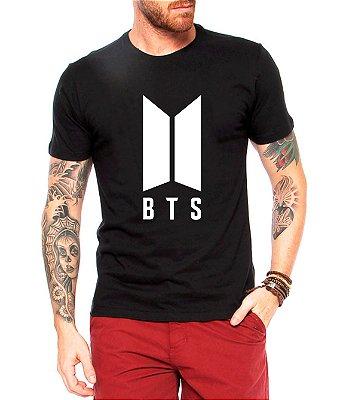 Camiseta Masculina Bts Bangtan Boys Kpop Integrantes J-Hope Jimin Jin V Suga Rap Monster Jung Kook - Personalizadas/ Customizadas/ Estampadas/ Camiseteria/ Estamparia/ Estampar/ Personalizar/ Customizar/ Criar/ Roupas Baratas Modelos Legais Loja Online