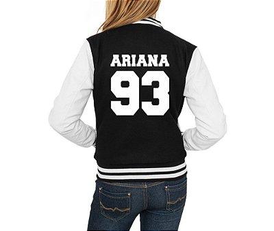 Jaqueta College Feminina Ariana Grande 93 Casaco Moletom- Jaquetas Colegial Americana Universitária Baseball de Frio Preto e Branco Personalizadas Blusas/ Casacos/ Blusão Baratos