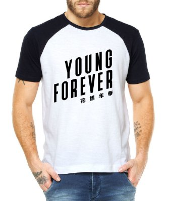 Camiseta Masculina BTS Bangtan Boys Kpop Young Forever Raglan - Personalizadas/ Customizadas/ Estampadas/ Camiseteria/ Estamparia/ Estampar/ Personalizar/ Customizar/ Criar/ Camisa Blusas Baratas Modelos Legais Loja Online