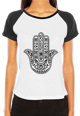 Camiseta Feminina Frases Hamsá Mão de Fatima Deus Tribal Tattoo Raglan - Personalizadas/ Customizadas/ Estampadas/ Camiseteria/ Estamparia/ Estampar/ Personalizar/ Customizar/ Criar/ Camisa Blusas Baratas Modelos Legais Loja Online