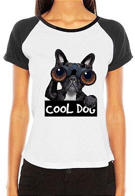 Camiseta Feminina Cool Dog Cachorro Espiando Binóculo Engraçadas Divertidas Raglan - Personalizadas/ Customizadas/ Estampadas/ Camiseteria/ Estamparia/ Estampar/ Personalizar/ Customizar/ Criar/ Camisa Blusas Baratas Modelos Legais Loja Online