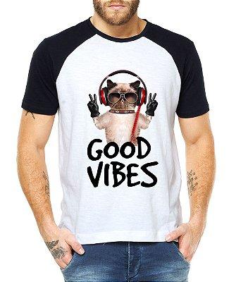 Camiseta Raglan Good Vibes Gato De Boa Paz Som Música Divertida Engraçada - Personalizadas/ Customizadas/ Estampadas/ Camiseteria/ Estamparia/ Estampar/ Personalizar/ Customizar/ Criar/ Camisa Blusas Baratas Modelos Legais Loja Online