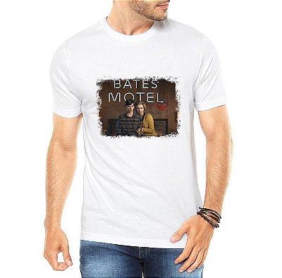 Camiseta Masculina Branca Bates Motel Série Seriado - Personalizadas/ Customizadas/ Estampadas/ Camiseteria/ Estamparia/ Estampar/ Personalizar/ Customizar/ Criar/ Camisa Blusas Baratas Modelos Legais Loja Online