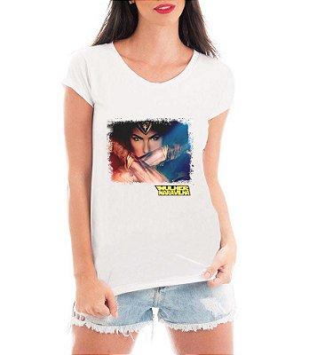 T-shirt Feminina Mulheres Fortes Mulher Maravilha Filme  - Personalizadas/ Customizadas/ Estampadas/ Camiseteria/ Estamparia/ Estampar/ Personalizar/ Customizar/ Criar/ Camisa Blusas Baratas Modelos Legais Loja Online