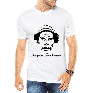 Camiseta Branca Masculina Seu Madruga Pobre, Porém Honrado - Personalizadas/ Customizadas/ Estampadas/ Camiseteria/ Estamparia/ Estampar/ Personalizar/ Customizar/ Criar/ Camisa Blusas Baratas Modelos Legais Loja Online