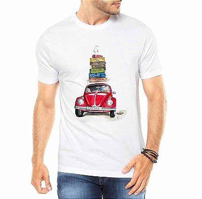 Camiseta Masculina Branca Fusca Vermelho Carro Clássico Viagem - Personalizadas/ Customizadas/ Estampadas/ Camiseteria/ Estamparia/ Estampar/ Personalizar/ Customizar/ Criar/ Camisa Blusas Baratas Modelos Legais Loja Online
