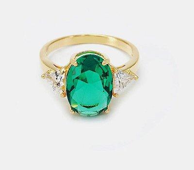 Anel Queen Cravejado com micro zircônia na cor verde, folheado ouro 18k.