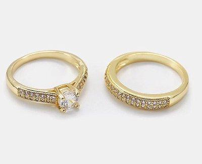 Anel duplo cravejado com micro zircônia de alta qualidade  na cor Cristal, semijoia folheado a ouro 18k.