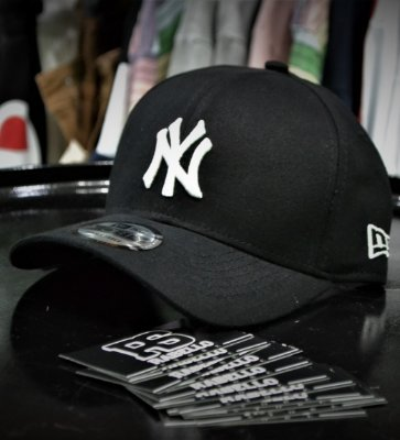 Boné New Era 'New York Yankees' Preto