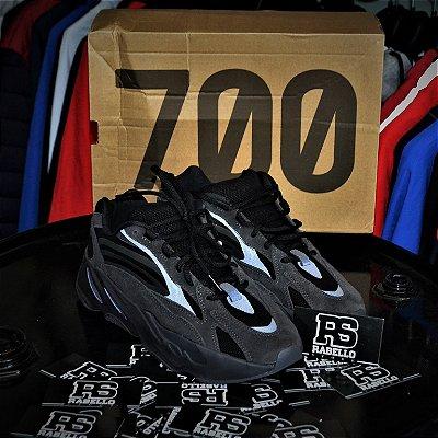 Adidas Yeezy Boost 700 V2 'Vanta' - ENCOMENDA