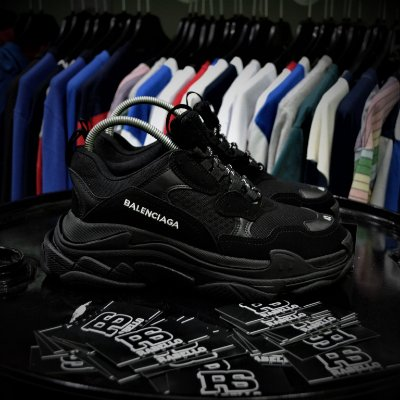 Balenciaga Triple S 'Black' - ENCOMENDA