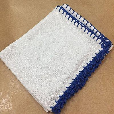 Pano Prato Branco (63x44) Barra Crochê Azul EScuro unid