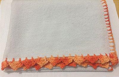 Pano Prato Branco (63x44) Barra Crochê Laranja Mesclado unid