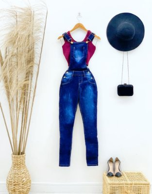 Macacão Jardineira Jeans