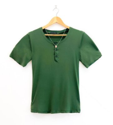 Camiseta Botão Dennis Beumont