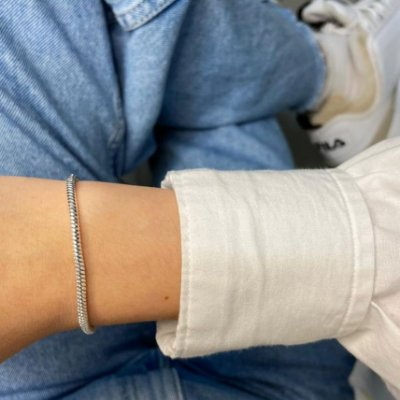 Pulseira fio, ideal para colocar os berloques, prateada, 17,5cm - REF P013