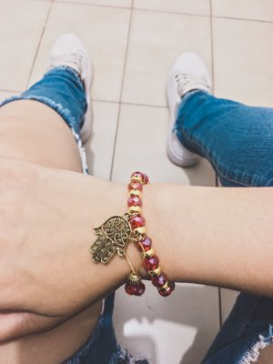 _Pulseira VIBE, vermelha, dourada, mão de fátima - REF P238