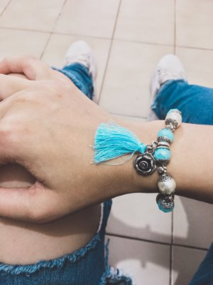 _Pulseira wonderful, floral, azul turquesa, pérola, prateada - REF P389