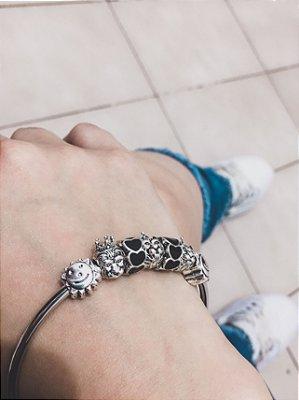 _Pulseira prateada bracelete 21cm + 7 berloques, love, black - REF P451
