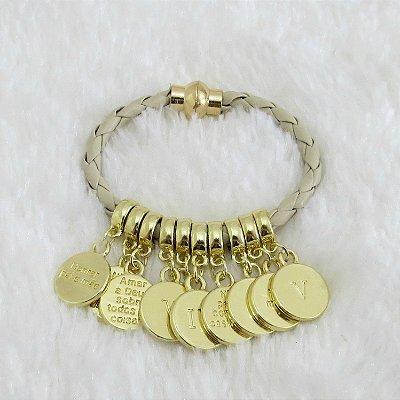 Pulseira 10 mandamentos, courinho nude, dourada, fecho imã - REF P112