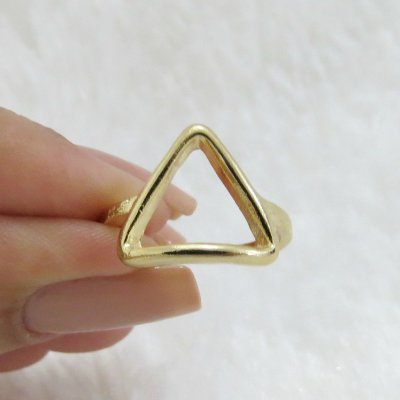 Anel New Collection, triangulo, dourado REF A289