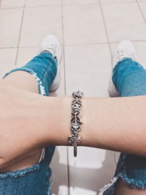 Pulseira prateada bracelete 21cm + 6 berloques, only, coffee - REF REF P565