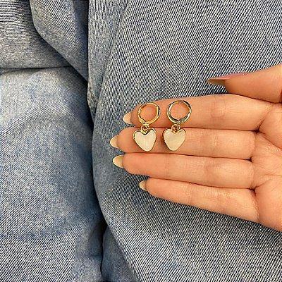 Brinco amanda, mini argola, love, marfim, dourado - REF B924