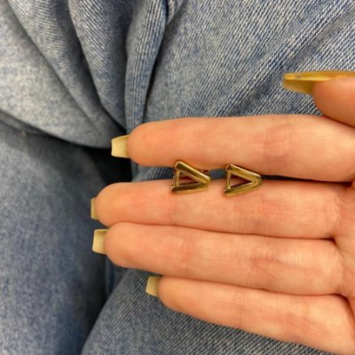 Brinco mini argolinha, amanda, v, dourada - REF B984