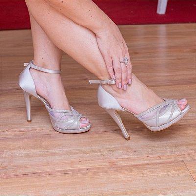 Sandália prata velho