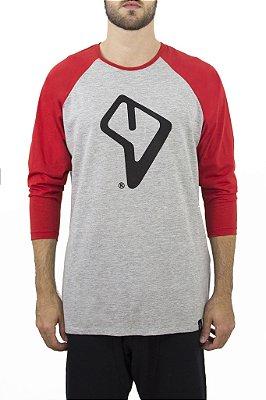 Camiseta Raglan Cinza com manga vermelha Logo