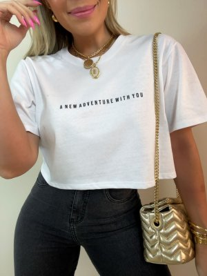 T-shirt Cropped Adventure Branca
